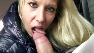 Floosie fancy behaving with a bigger dick