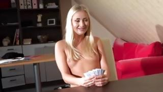 Blond sweatheart is doing vicios staff with mature mister